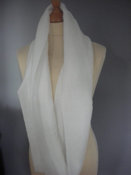 snood blanc, plumetis